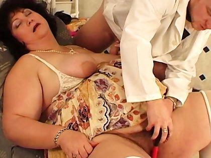 extreme fat matriarch fucked wide of her hairdresser