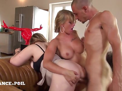 A handful of Naughty Pulchritudinous Cousins Competetion
