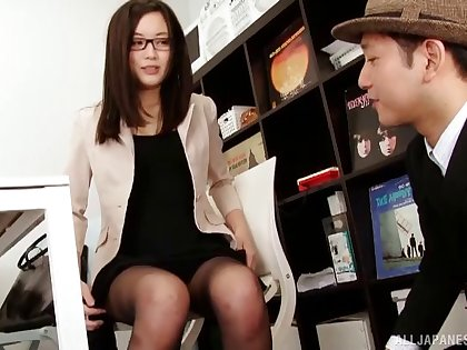Beautiful Shitaishi Yuu takes a dick in her hands all round make him happy