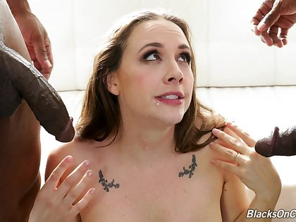 MILF handles two BBCs in scenes that are addictive