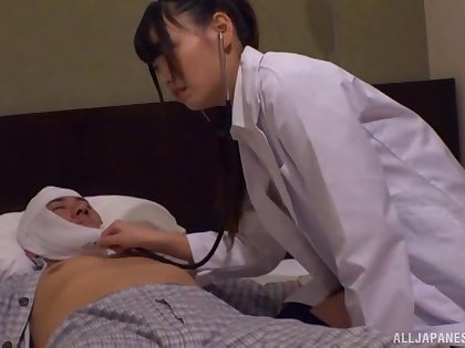 Seductive doctor drops her clothes to be fucked by a patient