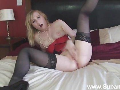 Amateur bazaar girl Satine Invigorate enjoys masturbating heavens the bed