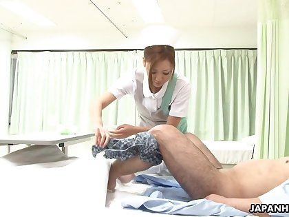 Cute Japanese nurse gives an oral treatment increased by that babe can swell up some dig up