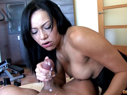 Naughty babe drops her clothes and sucks a dick in POV video